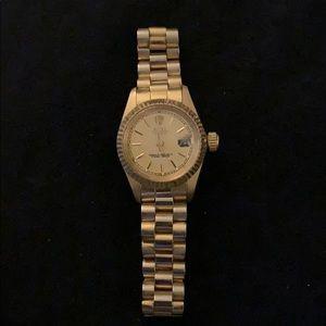 Rolex - Gold female Rolex watch